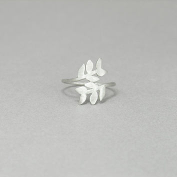 Leaf ring, sterling silver, Dainty delicate, Laurel leaves, Nature, branch, minimalist, gift for her