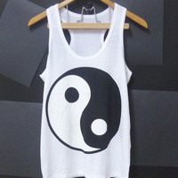Yin Yang tank top, black and white shirt unisex Men singlet Women shirt Teen t shirt size S,M,L,XL plus size singlet tshirt sleeveless vests