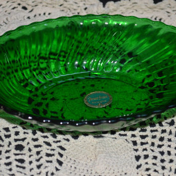 Forest Green Glass Oval Swirl Bowl with Original Sticker-Anchor Hocking