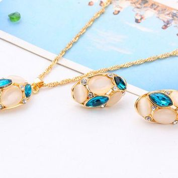 ONETOW Crystal Sweater Necklace Stud Earrings Set Cat Oat Stone Ornament Set Oval