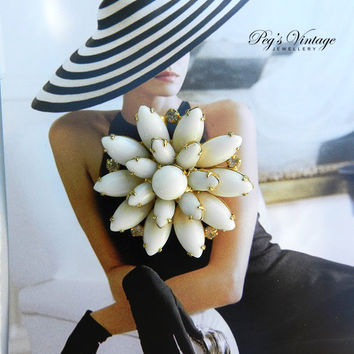 Vintage Milk White Glass Bead Flower Pin/Brooch, Gold Tone White Stone And Rhinestones Brooch, Bridal Jewelry