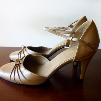 Brown Heel Mary Janes Strappy Knotted Size 7M Vintage by oncemet
