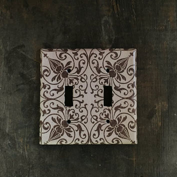 Double light switch plate cover - Decorative tan and brown switch plate. 2 gang - 2 toggle wall plate. Home decor, living room, rustic