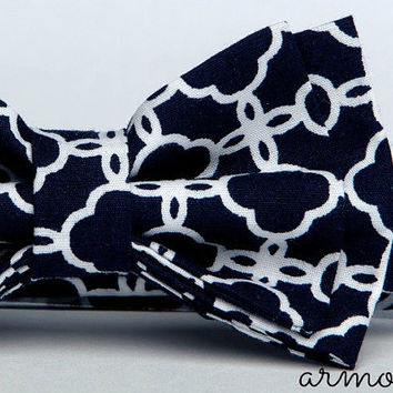 Navy Bow Tie  ==  Vintage Bow Tie  ==  Ring Bearer Navy Bow Tie