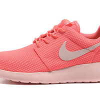 n042 - Nike Roshe Run (Light Pink/White)