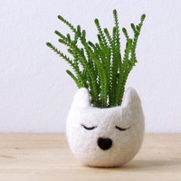 Kitty cat vase / Felt succulent planter  / white cat pod/ mother day gift / Cat lover gift - Choose your color!