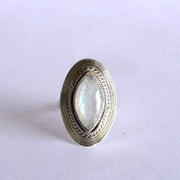 moon stone ring, silver ring, stone ring,  silver rainbow ring, 92.5 sterling silver, Natural moon stone Silver Ring, RNSL222