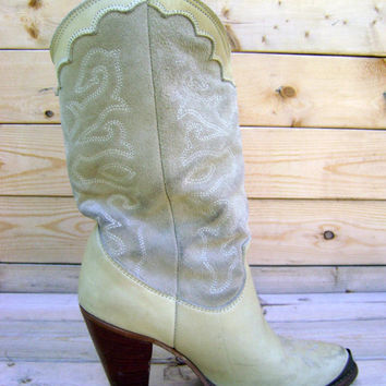 80s Zodiac Heeled Boots Vintage Womens Leather Western Boot Size 7 Cowgirl Rocker Boho Beige Suede Metal Tip Stacked Wool Heels Hipster Shoe