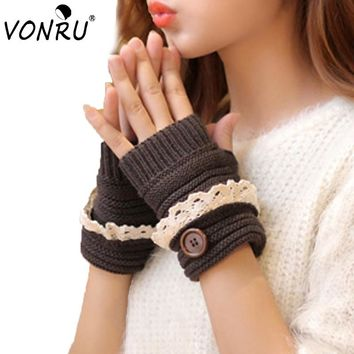 Stylish Winter Gloves Warm Crochet Fitness Gloves Women Lace Button Wrist Warmer Ladies Soft White Fingerless Gloves Gants Femme