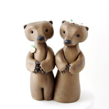 Grizzly Bear Wedding Cake Topper by Bonjour Poupette