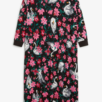 Oversized dress - Black magic/Print perfection - Dresses - Monki GB