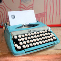 AQUA SMITH CORONA Typewriter Vintage Light Blue Manual 1960s Type Writer Working with Carrying Case 60s Corsair Deluxe