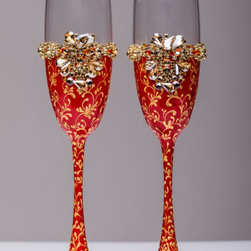 Personalized wedding flutes wedding champagne glasses champagne flutes toasting flutes red and gold champagne flutes wedding flutes Set of2