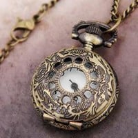 Round Necklace Pendant Quartz Watch +FREE Flower Bangle