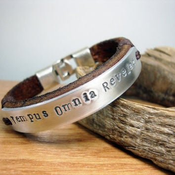 FREE SHIPPING - Men Braclet, Personalized Hand Stamped, Leather Men Bracelet. Brown leather cuff, mens bracelet, men gift,  Aluminium plate