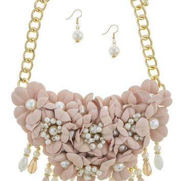 Clustered faux pearl accent flower statement necklace set