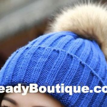 Tight Knitted Skull Pom Beanie - Blue