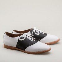 Susie Classic Saddle Shoes by Royal Vintage (Black/White)