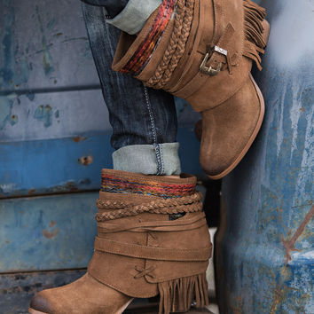 Saddle Up Wrap Detailed Buckle Fringe Booties (Tan)