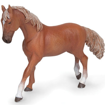 Alezan English Thoroughbred Mare Figurine