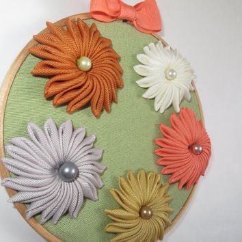 Wall Flower Decor. Fiber Art 3D Flowers. Wall Flowers .Hanging Decoration. Hoop art. Fabric flowers. Floral Decor. Fiber Art