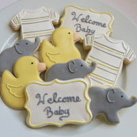 Baby Shower / Baby gender reveal cookie favors decorated in yellow and gray, personalized, 1 dozen