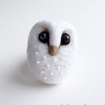 White Barn Owl Hand Felted Brooch Wool Jewelry by ShishLOOKdesign