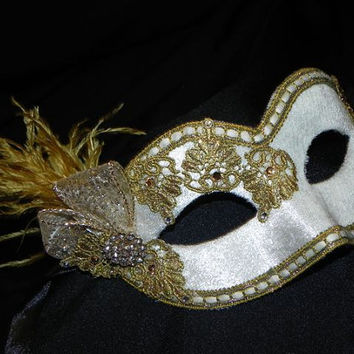 Lace and Feather Masquerade Mask in White and Gold