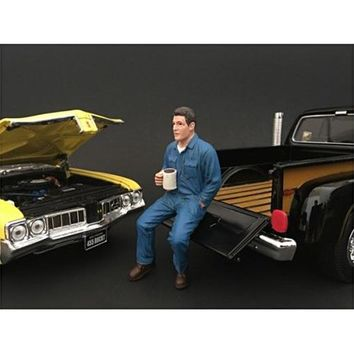 Mechanic Johnny Drinking Coffee Figurine / Figure For 1:24 Models by American Diorama