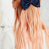 PU Bow Hair Clip in Navy - Urban Outfitters