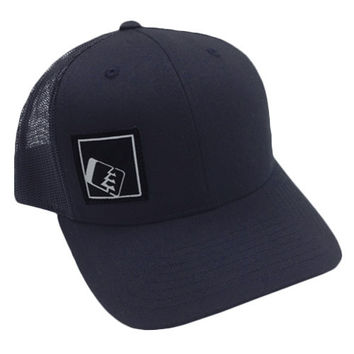 Tilt Trucker Hat Navy/Navy