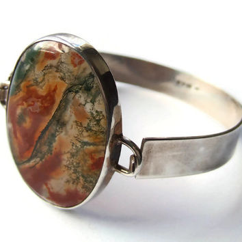 Vintage modernist bracelet, moss agate and sterling silver, 1979 London hallmark, MG maker's mark, #251.