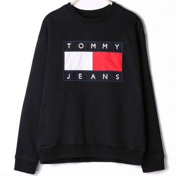 DCCKR2 Tommy Jeans Stylish Unisex Print Long Sleeve Round Collar Sweater Black I