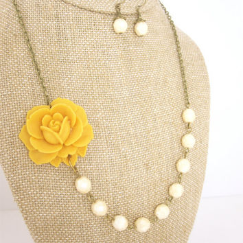 Mustard Yellow Rose and Ivory Glass Beads Necklace by kbjhandmade