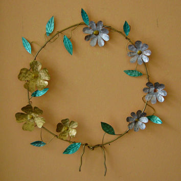 flowers wreath / wall decor / wall orament / fireplace decor / charm