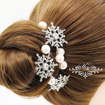Set of 6 Hair pins Wedding Headpieces Rhinestone snowflake Swarovski pearl hair pins Bridal hair pins Snowflake Headpieces - BELICA