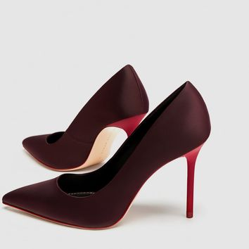 SATIN COURT SHOES WITH CONTRASTING HEELS