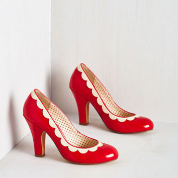 Vintage Inspired Petal Me This Heel in Ruby