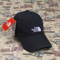 DCCKUNT The North Face Embroidered Black Cotton Baseball Cap Hats