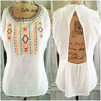 COLOR THE SKY PRETTY BEADED TOP