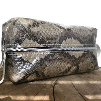 Leather Dopp Kit , shaving bag, Toiletry Bag, Travel bag, Genuine Leather, Snake skin print, cosmetic bag, make-up bag