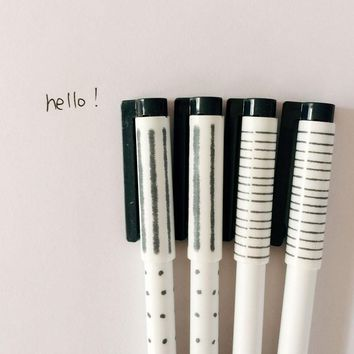 4X Kawaii Lovely White Black Dots Strip Simple Design Gel Pen School Office Supply Student Stationery Writing Signing