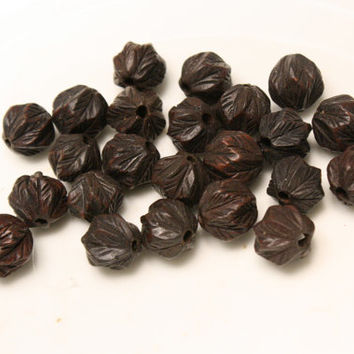 Wood Beads Carved Leaf Wood Rounds 12 mm Diameter Lot of 8 Beads