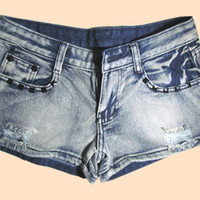 Modern Denim Blue Rivets Decorated Pocket Destroy Hot Shorts