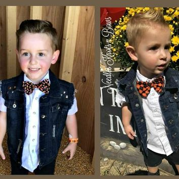 Boys Fall Bow Ties, Halloween Bow Ties, Thanksgiving Bowtie, Buffalo Plaid Bow Tie