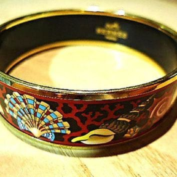 CREY2N Vintage Hermes cloisonne enamel golden thick bangle, bracelet with ocean, black sea, Tagre-