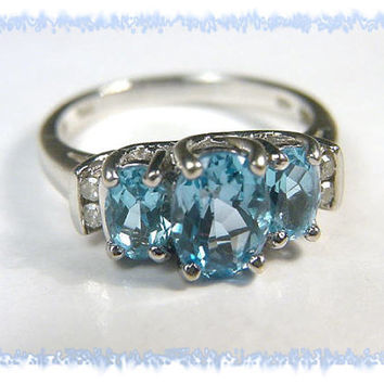 10K White Gold ~ 2.75 Ct  Blue Topaz & Diamond Estate Cocktail Ring ~ Size 7 -  Gift Boxed