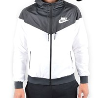 NIKEWINDRUNNER - BLACK/WHITE