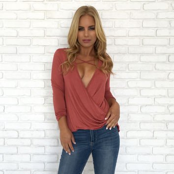 Cross With A Twist Jersey Top In Salmon