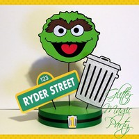 Oscar the Grouch Centerpiece Personalized Name and Age - Sesame Street